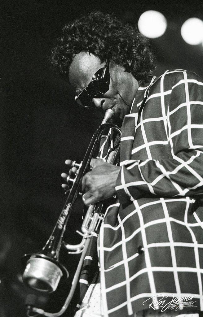 Miles-davis-1991-01.jpg