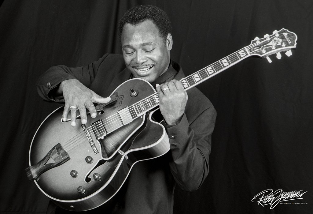 George-Benson-by-Ron-Jenner-1995-06.jpg